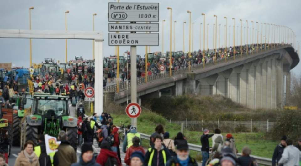 20,000 Rally In Protest At Contested French Airport Site