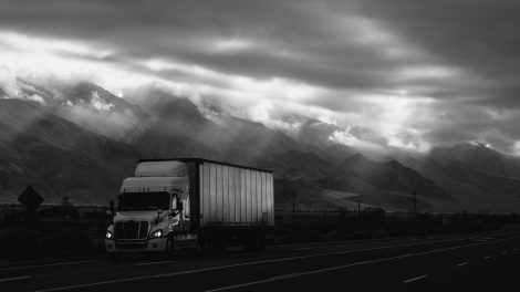 4 Trends to Watch in the World of Trucking in 2017